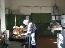 køkkenet på Skolehjemmet i Opotjka.